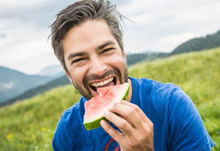 Ăn dưa hấu mỗi ngày giúp cải thiện khả năng cương cứng của dương vật và kéo dài thời gian quan hệ