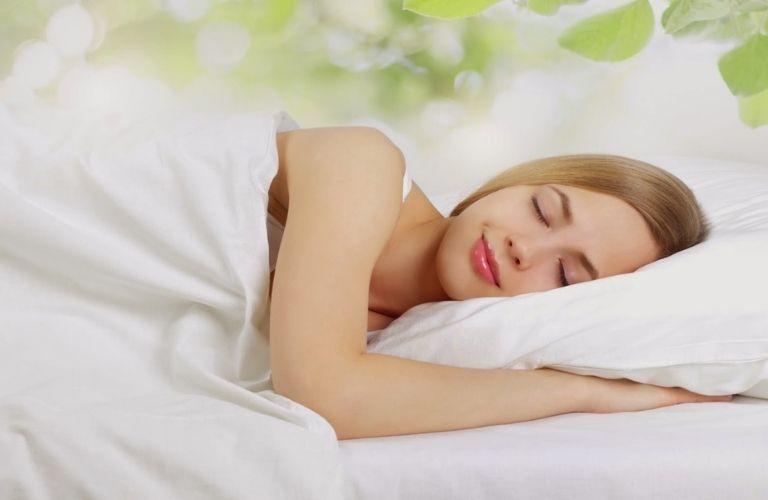 Giấc ngủ sâu giúp tinh thần luôn phấn chấn, sảng khoái