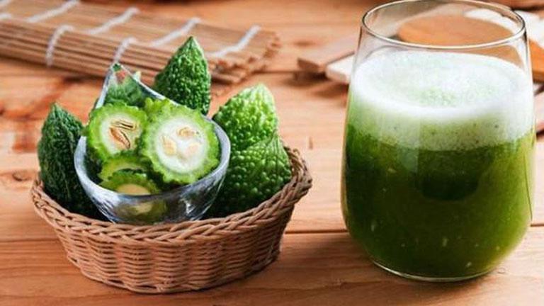 Uống nước ép khổ qua hỗ trợ điều trị nám từ bên trong cơ thể