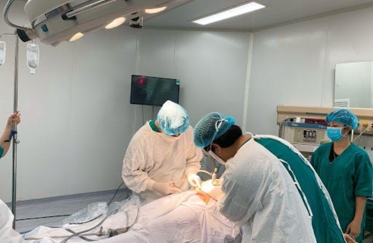 Trong trường hợp cần thiết, vô kinh có thể điều trị bằng phẫu thuật