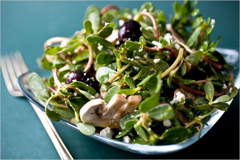 Chế biến rau sam thành món ăn để sử dụng giúp cải thiện bệnh từ bên trong