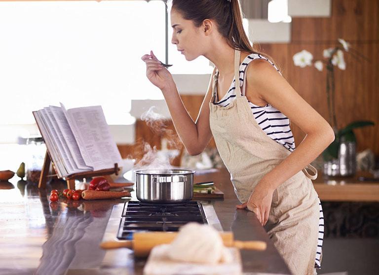 phụ nữ yếu sinh lý nên ăn gì