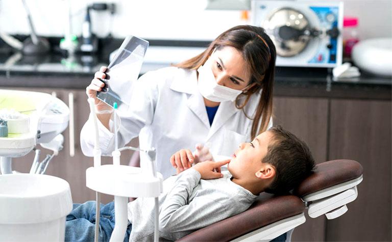 điều trị sâu răng ở trẻ em