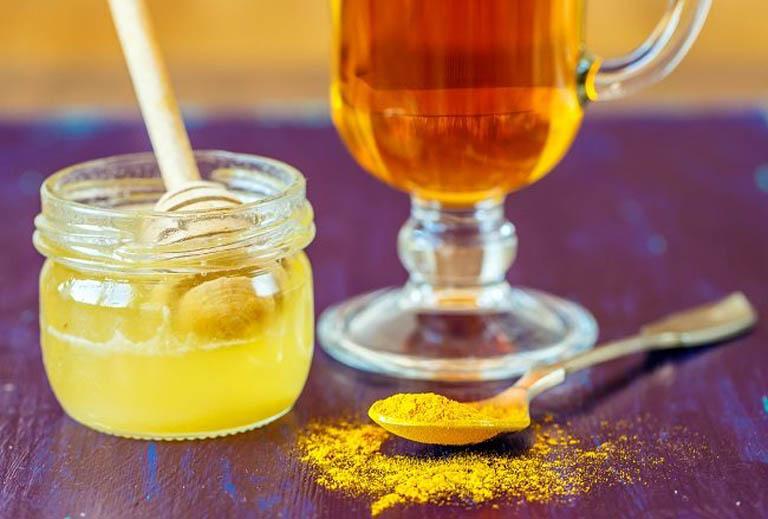 Trị nám sau sinh bằng nghệ và sữa ong chúa