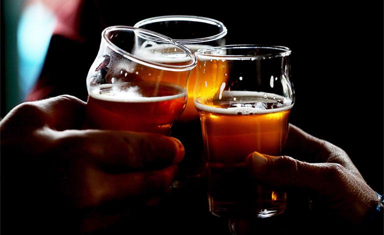 Chồng uống bia có ảnh hưởng đến thụ thai