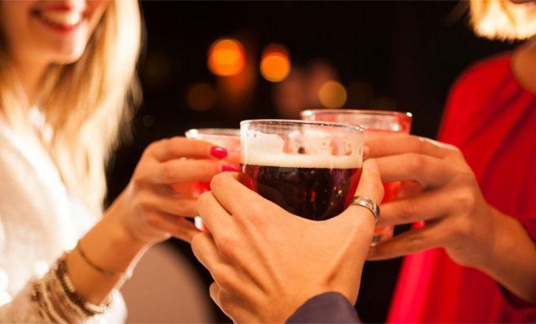 uống rượu bia gây vô sinh