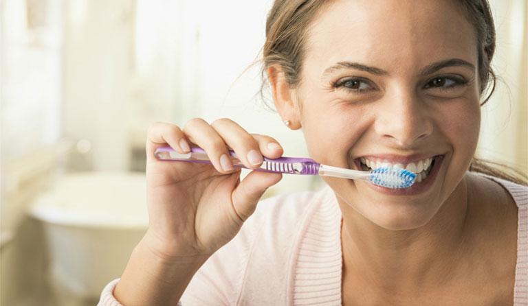 sưng chân răng là bệnh gì