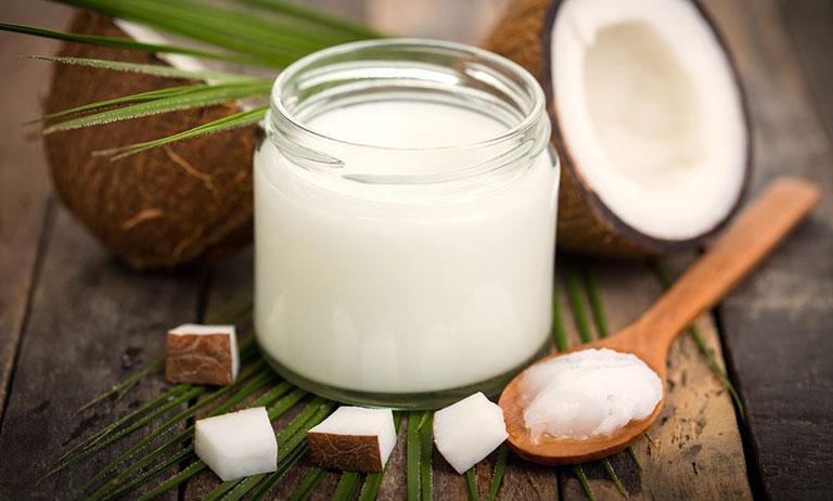 trị viêm da dị ứng với dầu dừa