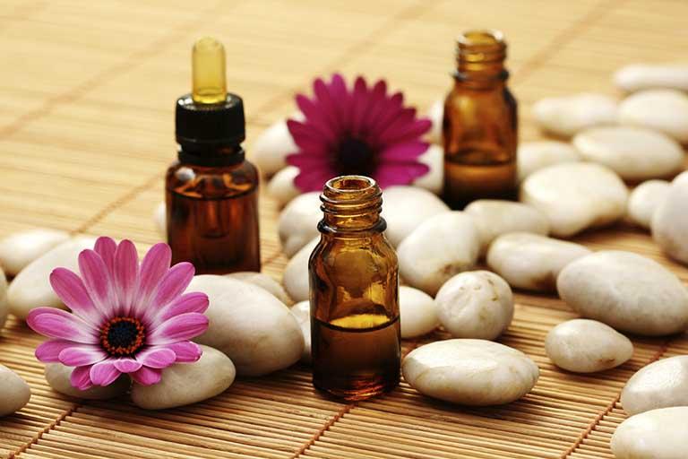cách trị viêm lợi bằng tinh dầu sả