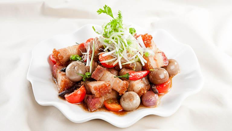 Cà muối kho thịt là món ăn thơm ngon tốt cho mẹ bầu