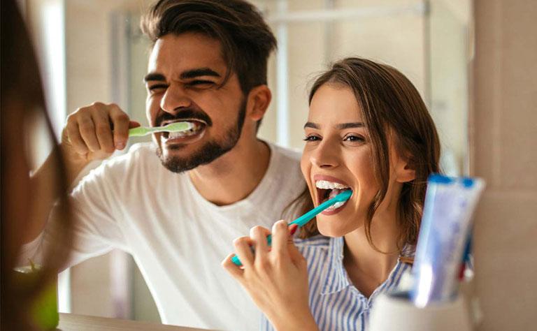 răng sâu nặng có nên nhổ không