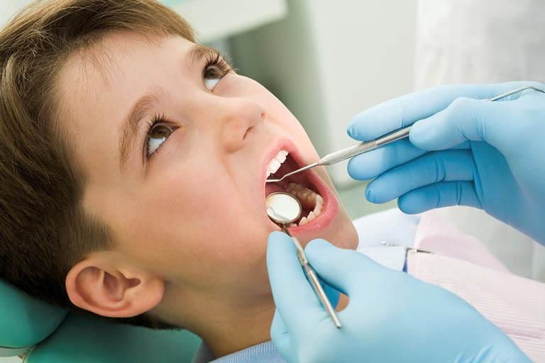 cách nhận biết răng sâu nhẹ
