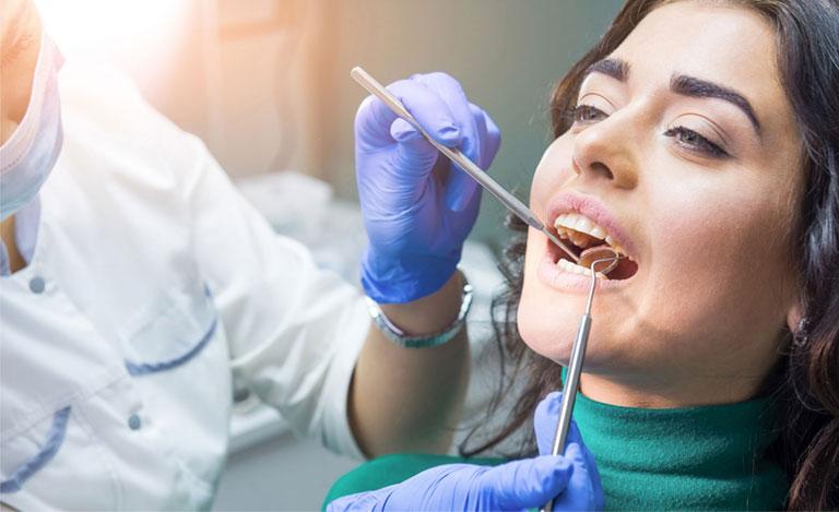 sâu chân răng có hàn được không