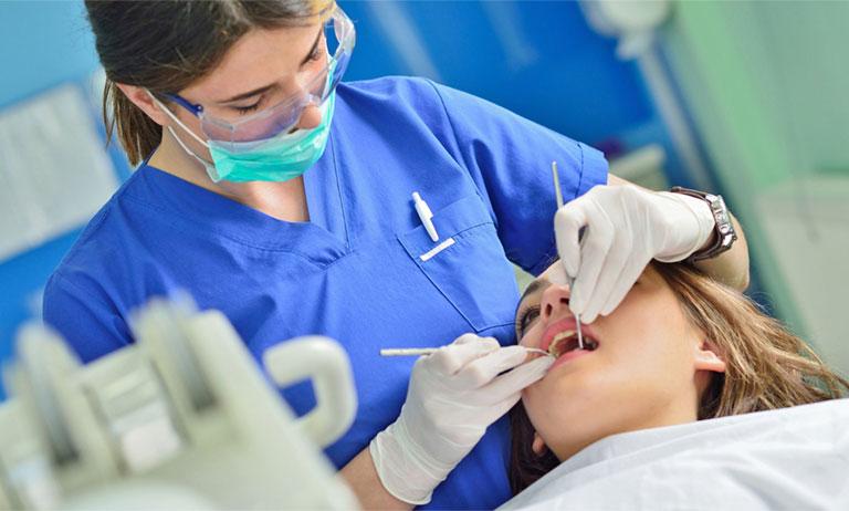 điều trị sưng nướu răng và nổi hạch