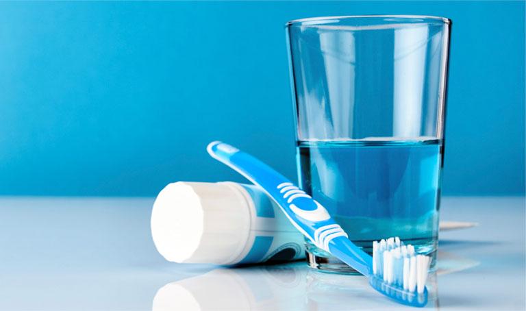 điều trị viêm lợi chảy máu chân răng