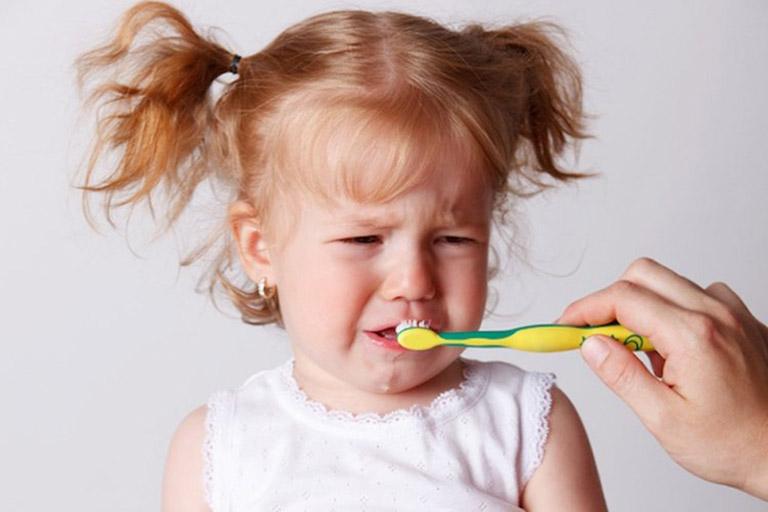 nguyên nhân gây viêm nướu răng ở trẻ em