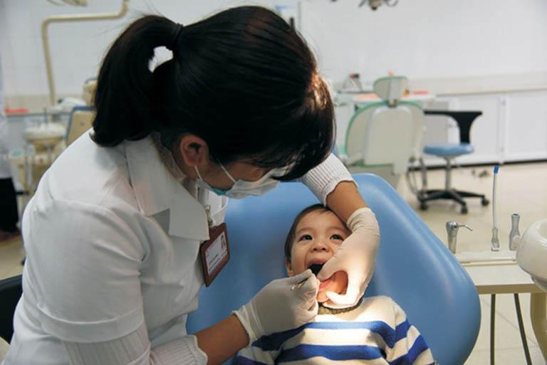 cách điều trị áp xe răng ở trẻ em