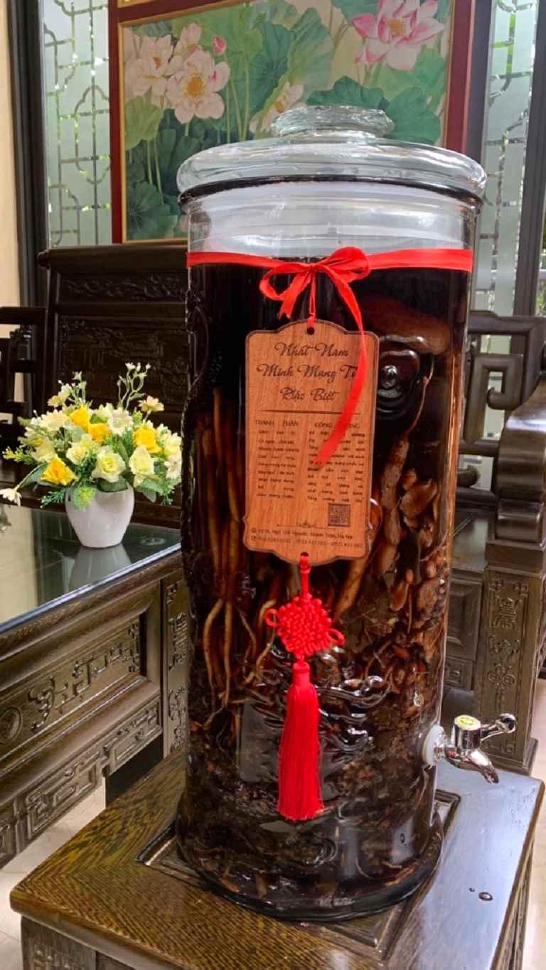 Nhất Nam Minh Mạng Tửu vẫn là bài thuốc nổi bật ngay cả khi thị trường xuất hiện nhiều dị bản Minh Mạng thang